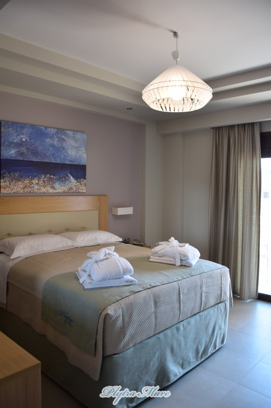 hotel plytra mare suites bed view