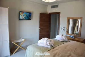hotel plytra mare suites bed view